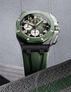 Fausses montres offrent des mouvements à remontage automatique pour les hommes.