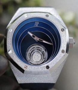 Suisses fausses montres deviennent nobles avec l'or blanc.